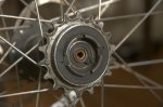 Axeln rakt av vid frihjulet