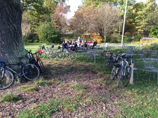 Invasion av nöjda och glada cyklister!