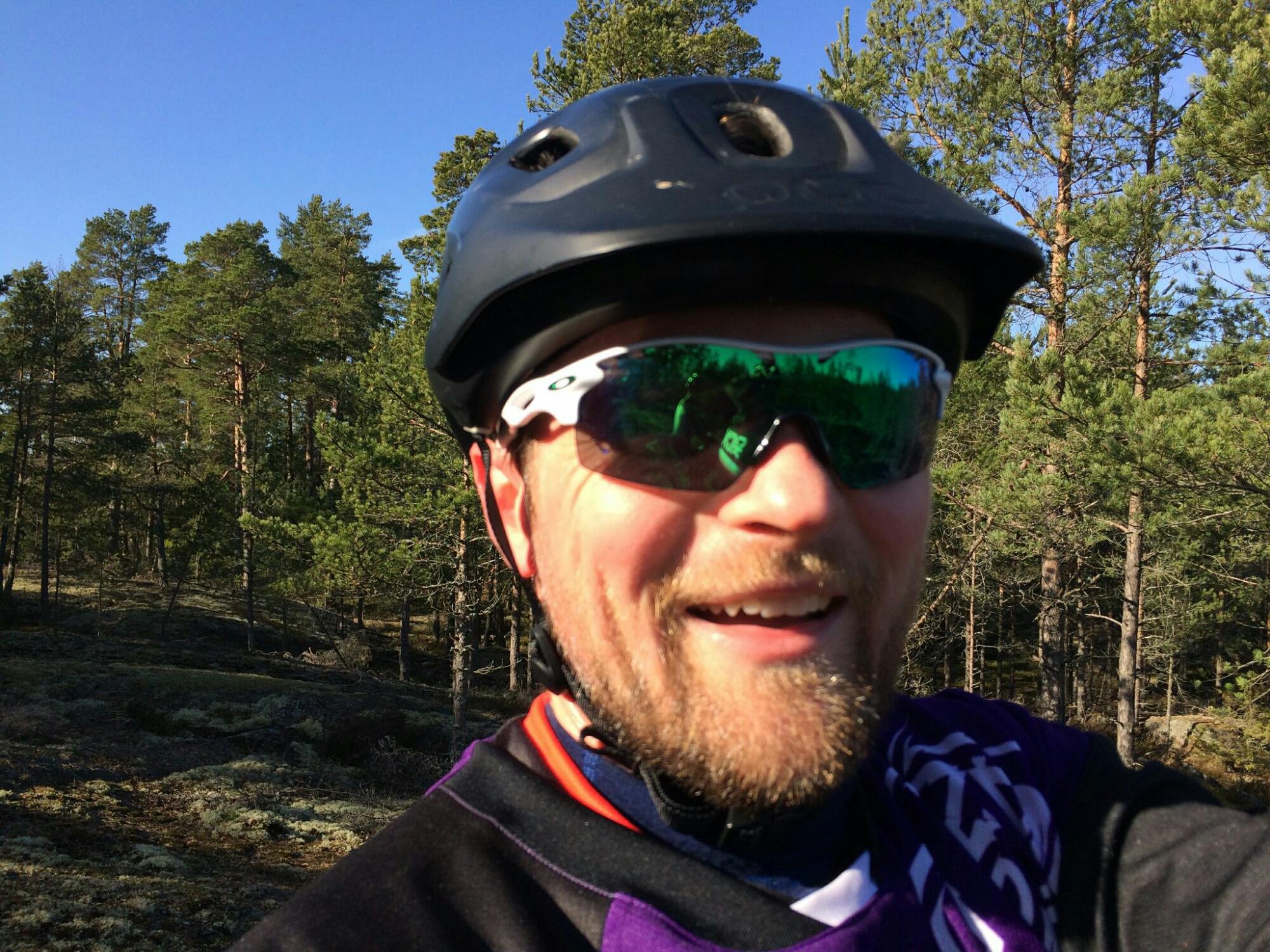 Så här glad blir man av sol och cykling!