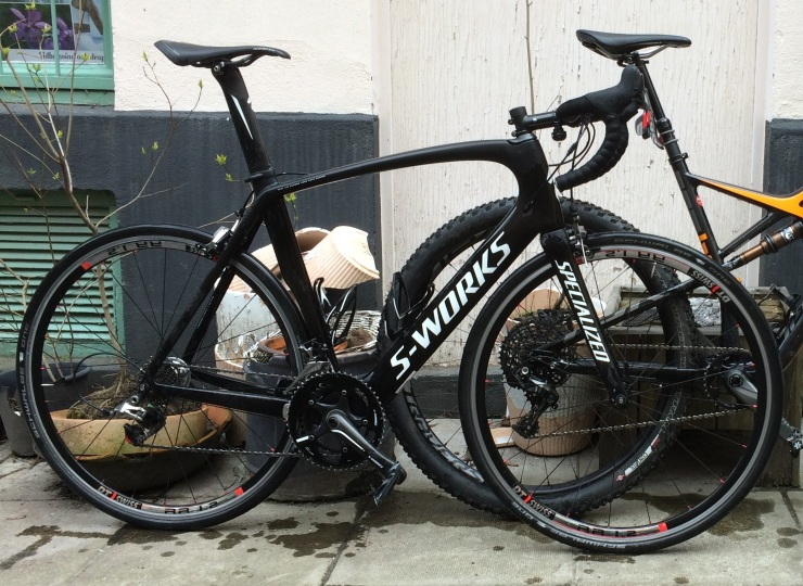 Träningshjulen på, sanering efter Ronde Van Vlaanderen.